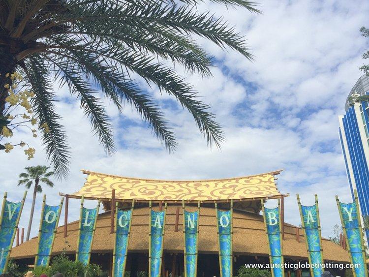 Universal Studios Volcano Bay™ Tips sky