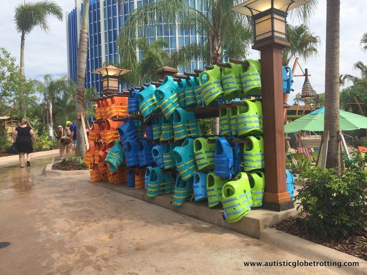 Universal Studios Volcano Bay™ Tips life vest