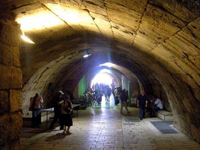 Exploring Jerusalem with Kids tunnel