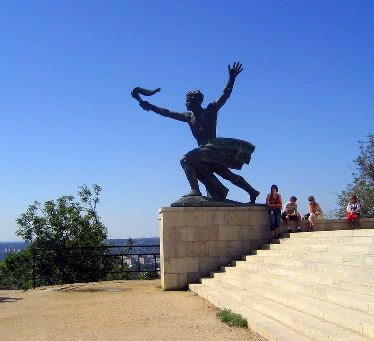 Taking Kids With Autism to Budapest Hungary statue