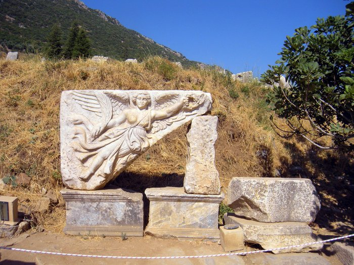 Taking Kids with Autism to Visit Ephesus statue