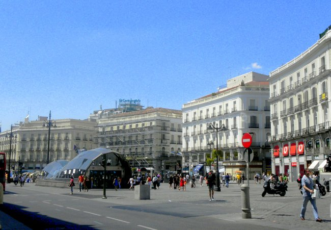 Taking Kids with Autism to Madrid Spain building