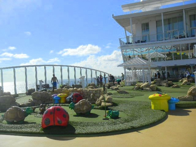 Family Cruise aboard Allure of the Seas golf