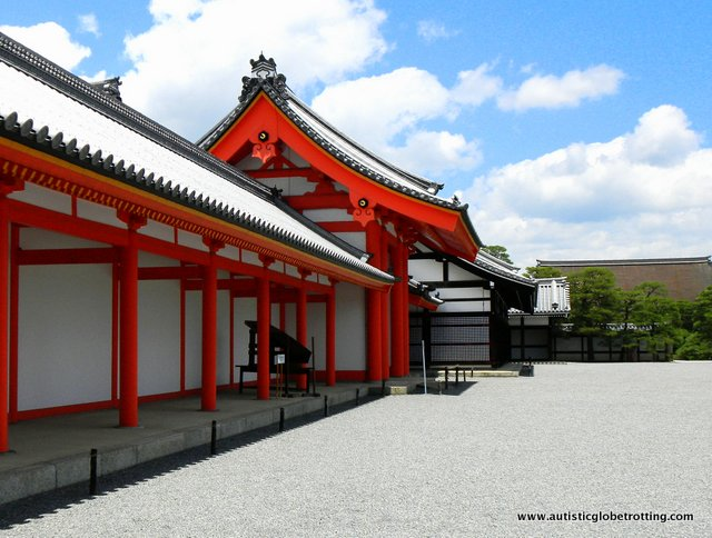 Five Sensory Activities for Families in Kyoto red