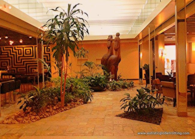 Dan Tel Aviv Hotel Welcomes Families lobby