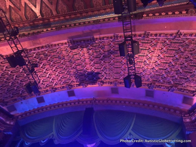 Visiting Hollywood's iconic El Capitan Theatre with Kids balcony