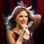 Taylor Swift invites young boy with autism to tour show – w/video