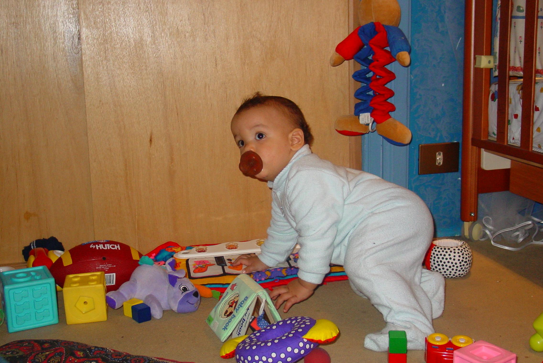Quando Inizia A Gattonare Neonato autismo. come riconoscerlo nei bambini molto piccoli