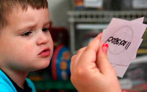 sintomas de un nino autista a los dos anos