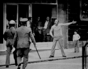 ¿No parece que nada haya cambiado verdad?© Foto: Manuel López. Manifestación de Primero de Mayo, Vallecas, Madrid, 1978