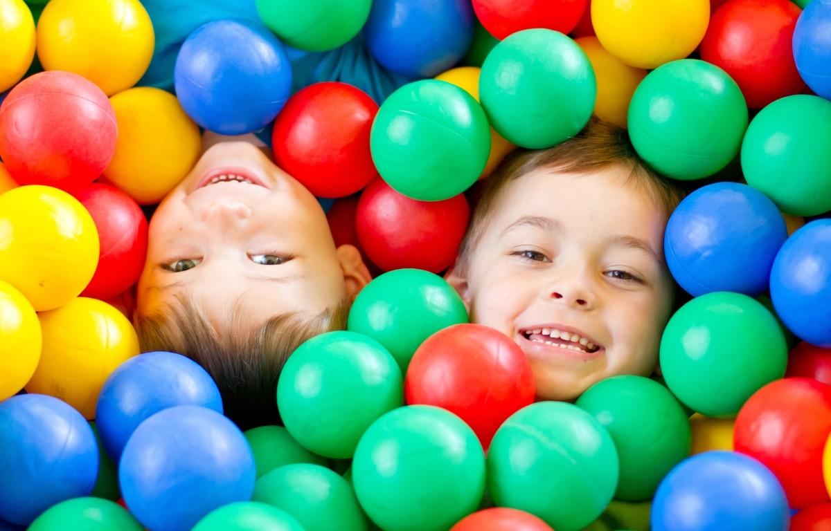 Estimulaci n e integraci n sensorial no son sin nimos for Piscinas de bolas para bebes