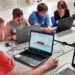 Jóvenes con autismo de alto funcionamiento desarrollan proyectos de impresión 3D que mejoran la autonomía de personas con discapacidad