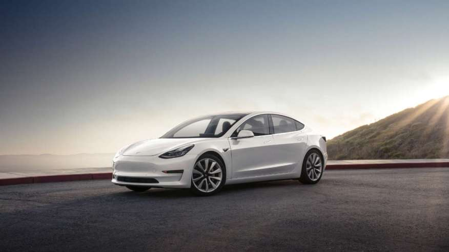 ELECTRIC VEHICLE TESLA MODEL 3