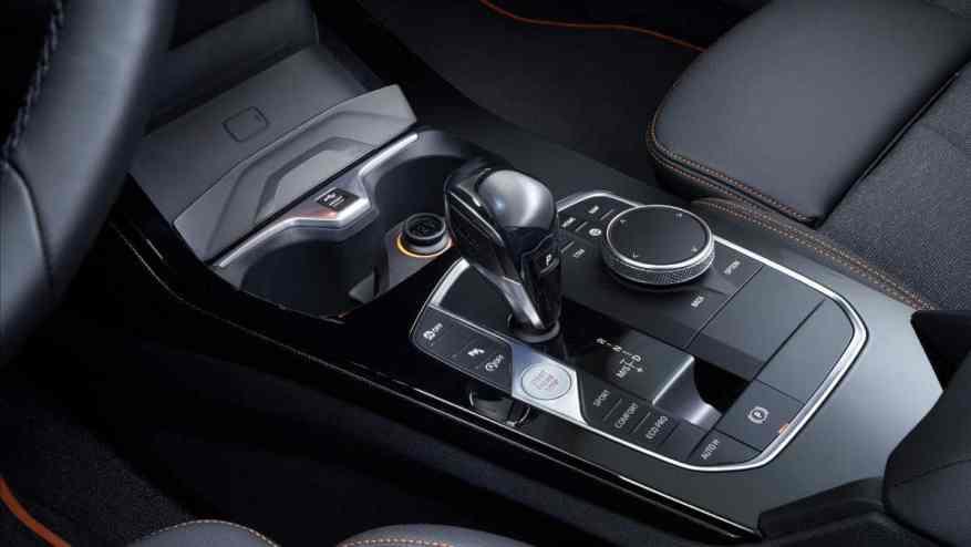 PREMIUM COMPACT CAR BMW 1 SERIES