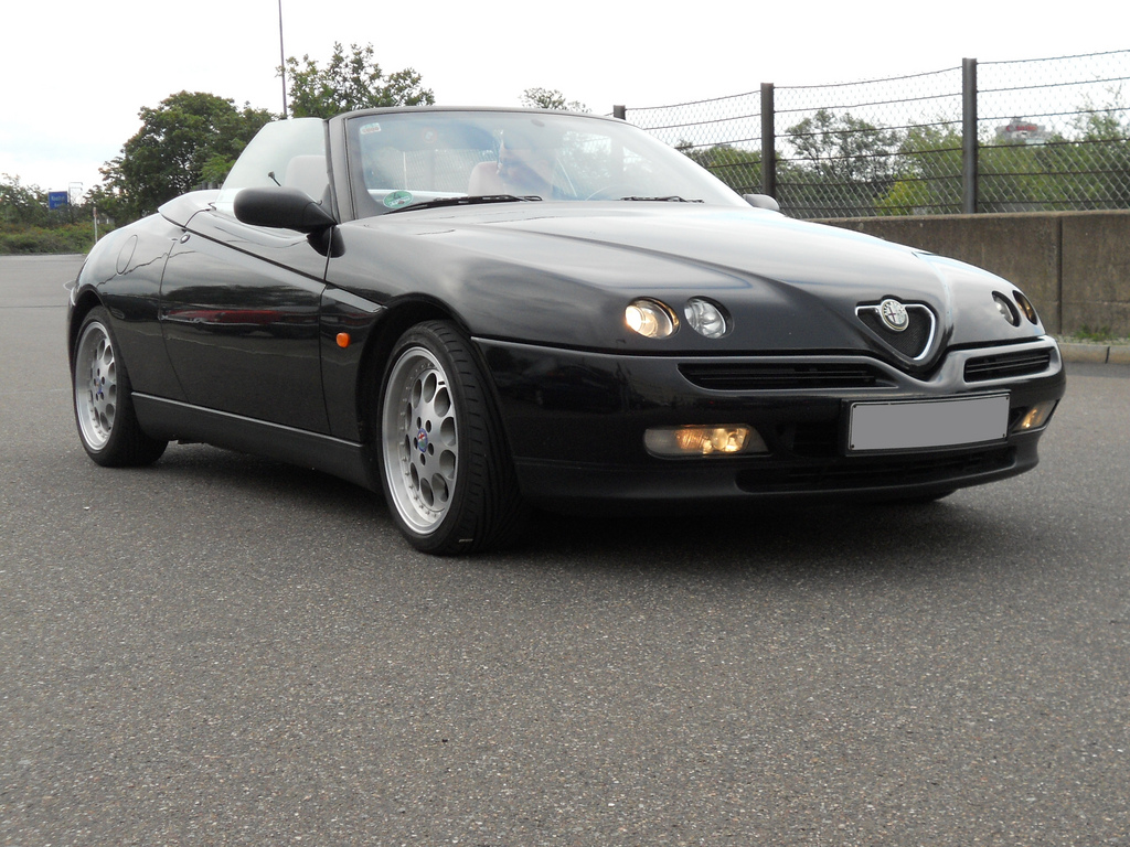 1997 Alfa Romeo Spider (916)  Pictures, Information And