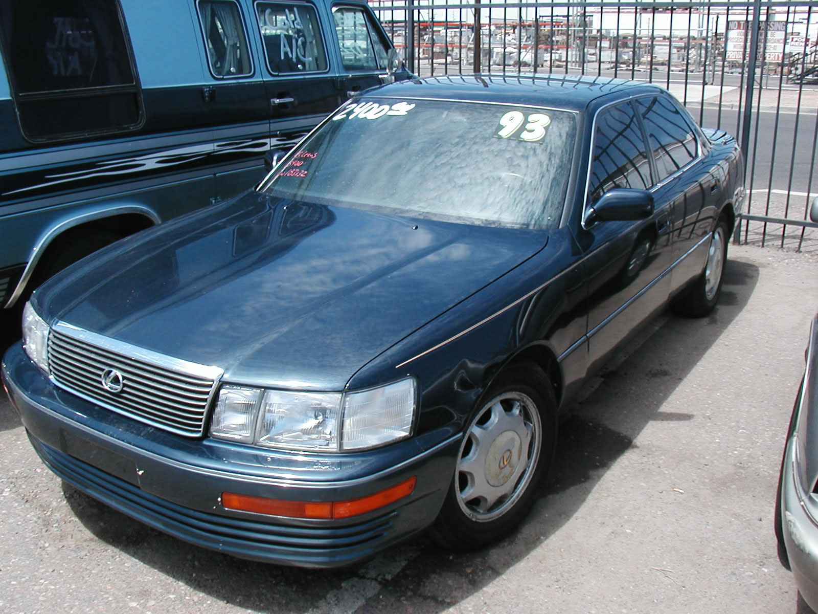 hight resolution of lexus ls 400 1993 5
