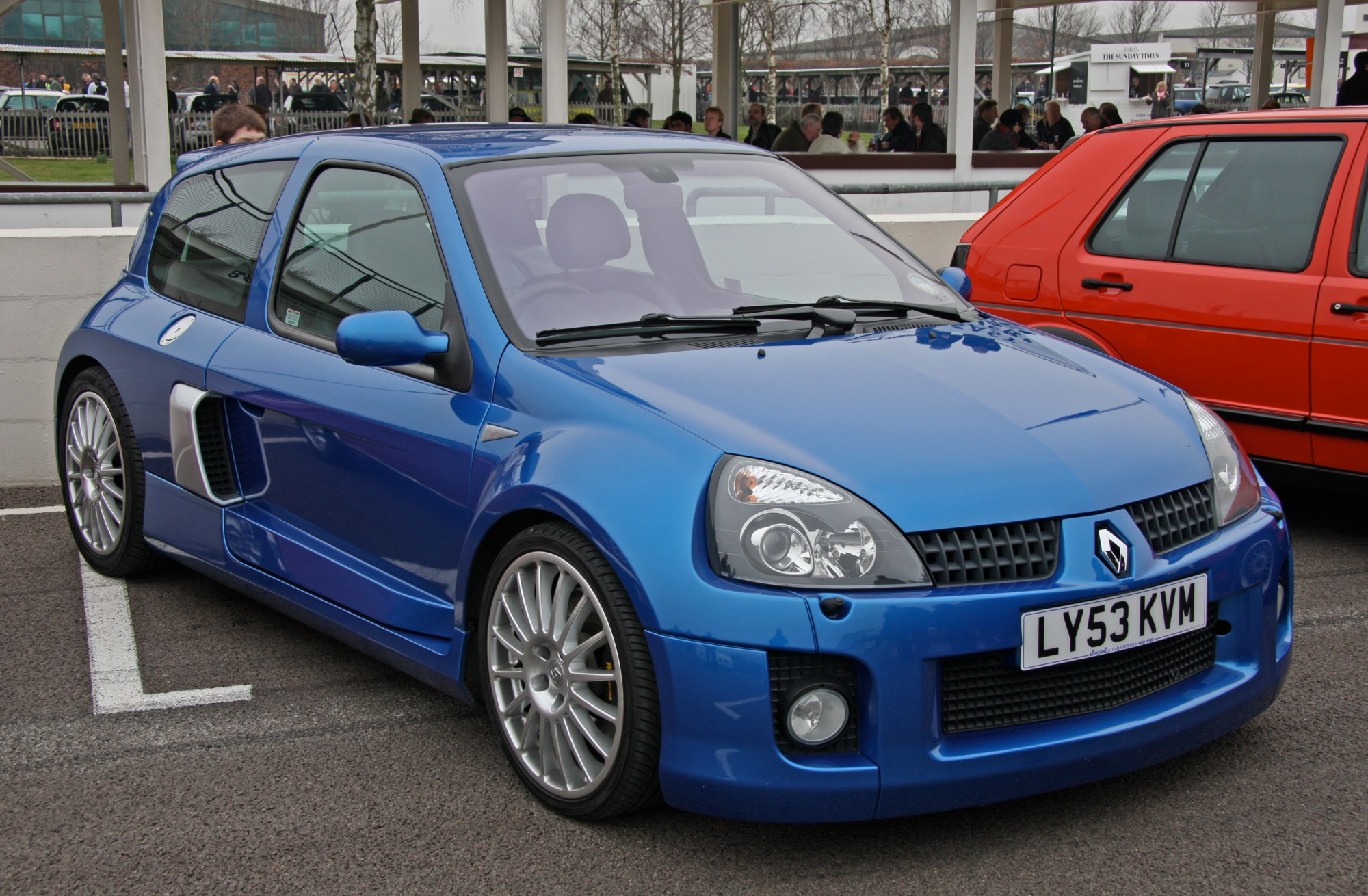 hight resolution of renault clio ii v6 sport coupe 2000 images