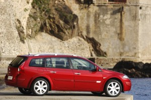 2009 Renault Megane iii estate – pictures, information and