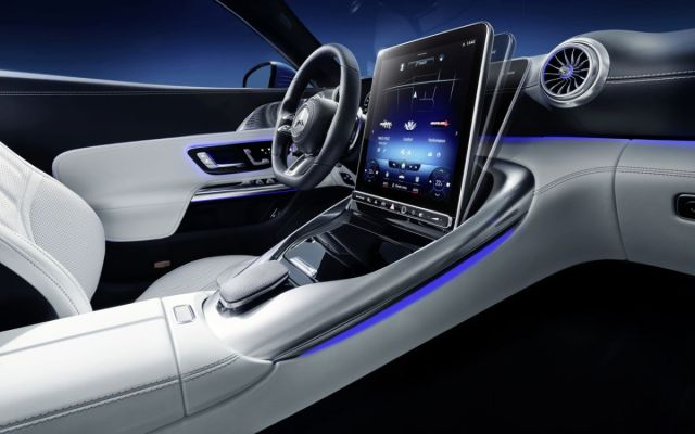 2021-Mercedes-AMG_SL-2