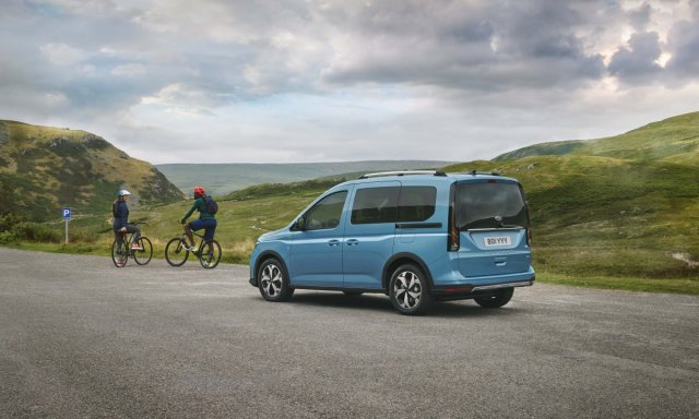 2021_FORD_TOURNEO_CONNECT-1