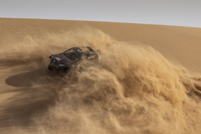 Rallye_Dakar_2022-Toyota_GR_DKR_Hilux_T1-4