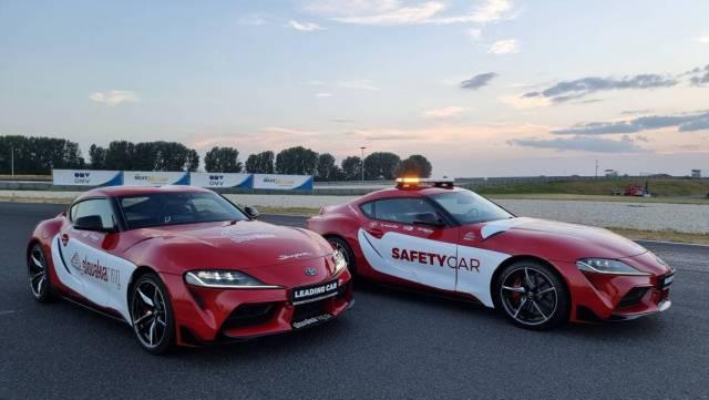 slovakia_ring-safety_car-a-leading_car-toyota_gr_supra-blikajici_majak