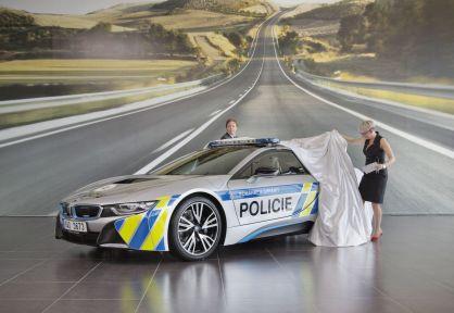 bmw-i8-policie- (1)