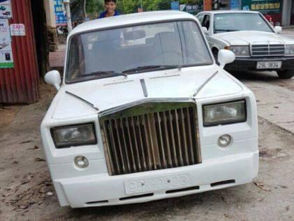 LADA-Rolls-Royce-Phantom- (1)