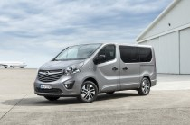 Opel-Vivaro-Tourer- (4)