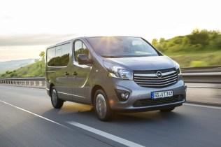 Opel-Vivaro-Tourer- (8)