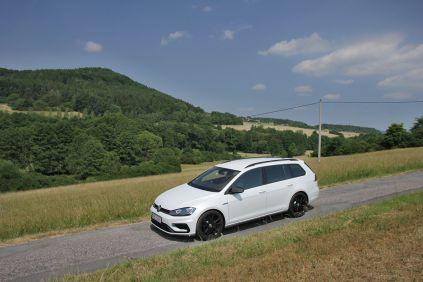 test-volkswagen-golf-r-variant-dsg-2017- (1)