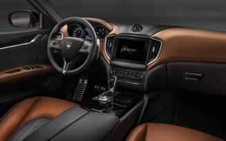 Maserati-Ghibli-GranLusso-MY18-dashboard