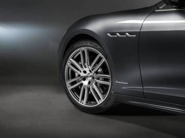Maserati-Ghibli-GranLusso-MY18-wheel