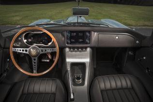 elektromobil-jaguar-y-type-zero- (9)