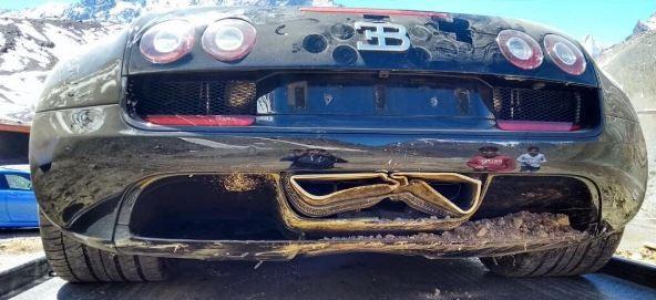 bugatti-veyron-nehoda-v-chile-3