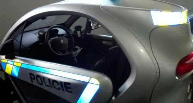 renault-twizy-elektromobil-policie