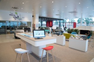 CITROEN SHOWROOM_FRANCE_Dijon_TABLE CONFIGURATION