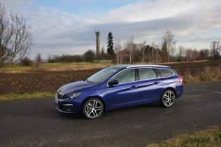 Test-Peugeot-308-SW-20-blueHDi-150-EAT6- (11)