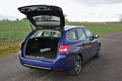 Test-Peugeot-308-SW-20-blueHDi-150-EAT6- (41)