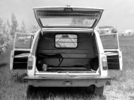 Prototyp elektromobilu VAZ-2801 - nákladový prostor