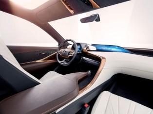 Lexus_Lexus-LF-1-Limitless8