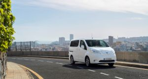2018-nissan-env200-elektromobil