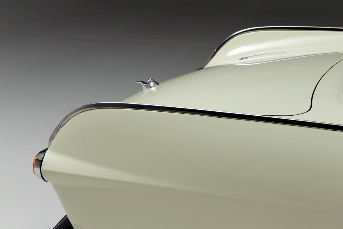 1967-Volvo-P1800S-ST1-ze-serialu-The-Saint-Roger-Moore- (13)
