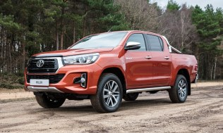 Toyota-Hilux-2018-special-edition- (2)