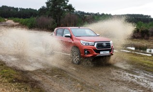 Toyota-Hilux-2018-special-edition- (21)