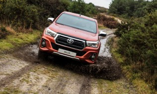 Toyota-Hilux-2018-special-edition- (23)