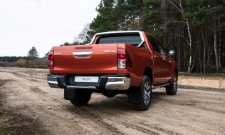 Toyota-Hilux-2018-special-edition- (29)