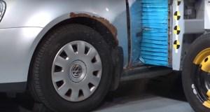 ojety-Volkswagen-Golf-crash-test-video
