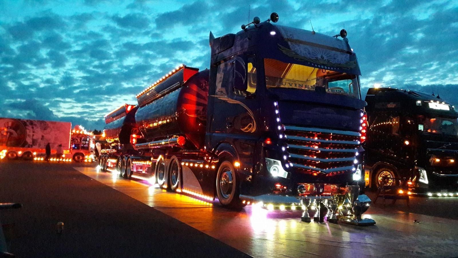 Auvinen-Trucking-Mercedes-Benz-Lowrider-Mika-Auvinen- (1)