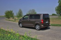 Test-Peugeot-Traveller-20-BlueHDi-150-4x4-Dangel- (17)